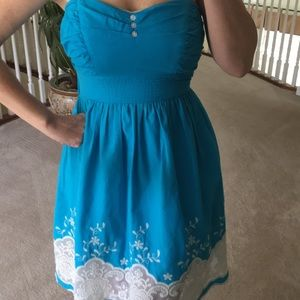 4/$20⭐️Embroidered and Lace Turquoise Sundress